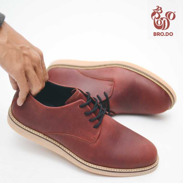 18 Merek Sepatu Lokal Paling Kekinian dan Anak Muda Banget - Gotomalls b3770d2575