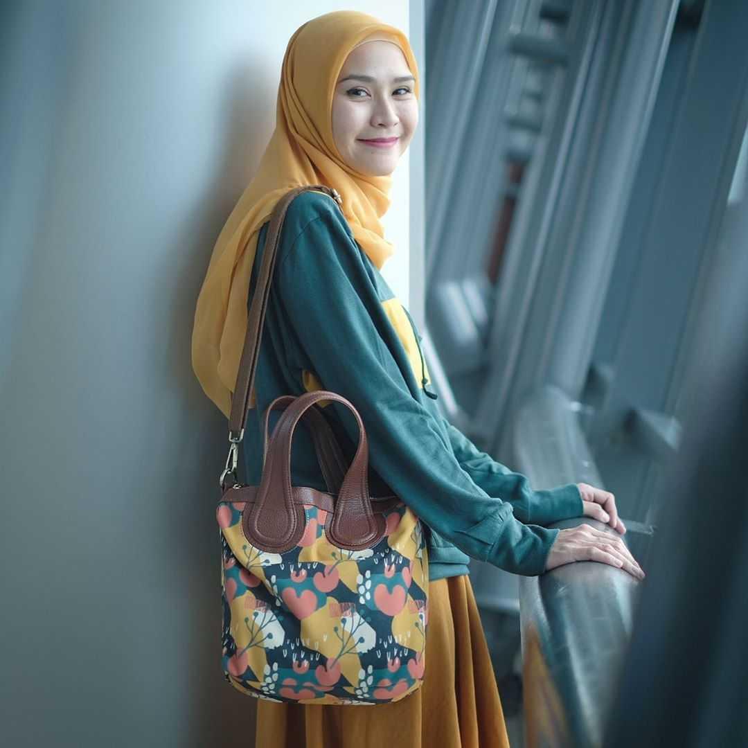 Ootd Hijabers Ala Zaskia Adya Mecca Gotomalls